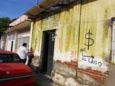 SEDATU y comités verifican daños totales por el sismo en Huixtla.