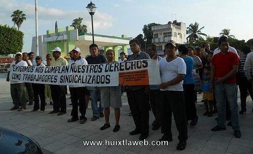 Sindicalizados se manifestaron ayer por no contar con la herramienta para sus trabajos, medicamentos y sus despensas
