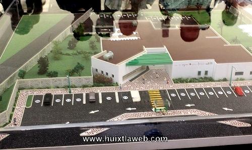 Gobierno del estado presenta maqueta de construcción de la clínica de la Mujer en Huixtla