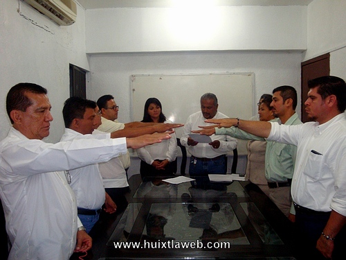 Regidores de Huixtla piden al congreso revocar cargo al alcalde Gustavo Cueto