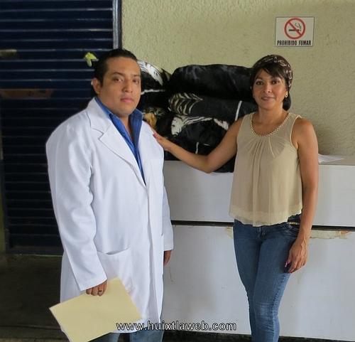 Entrega Olvita Palomeque apoyos en materia de salud