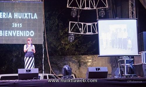 Presidenta del DIF Municipal Huixtla rinde informe de actividades