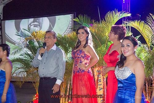 Presentan a la nueva soberana de la feria comercial Huixtla 2015
