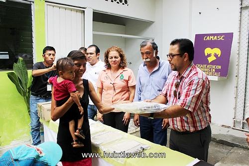 DIF Huixtla apoya a niños de la calle para su preparación académica