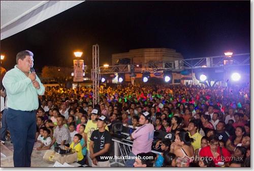 Más de 5 mil personas asistieron al concurso de baile coreográfico en Huixtla.