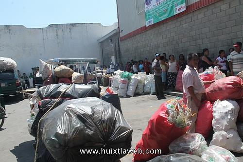 Supera expectativas 2ª recolección de botellas por parte del DIF Huixtla