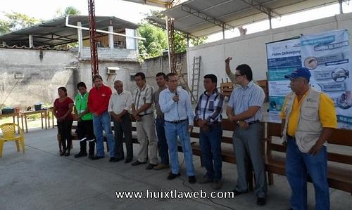 El ayuntamiento  trabaja en acciones de saneamiento en Huixtla: Ramon Ayala Pavía