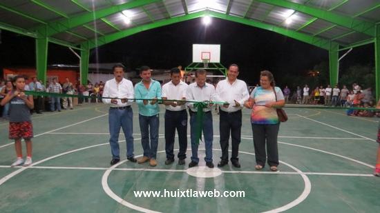 Ayuntamiento Huixtleco inaugura imponente domo en colonia buenos aires