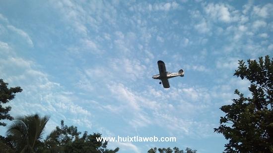 Continúan las fumigaciones aéreas por parte del ingenio de Huixtla