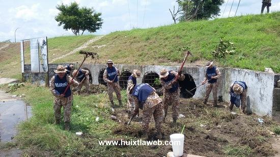 Ayuntamiento huixtleco reconoce labor de elementos de la secretaria de marina