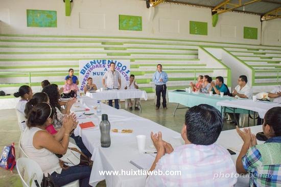 Reunión de directores y supervisores escolares con gobierno municipal de Tuzantán