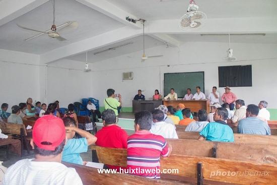 Se presentan autoridades municipales ante jueces y comisariados ejidales en Tuzantán