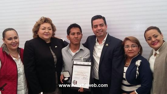 Destaca estudiante del Conalep  de Huixtla a nivel nacional