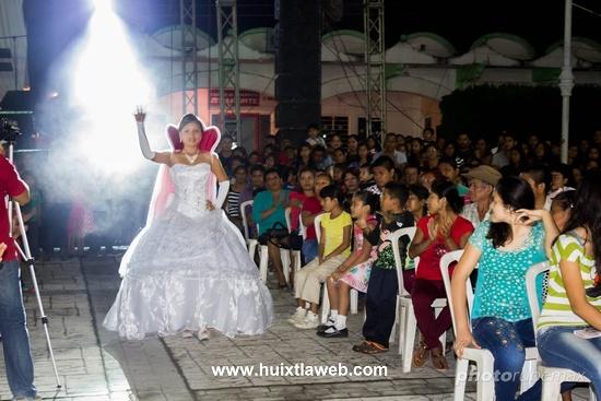 Lizdeymi I, reina de la feria Tuzantán 2015