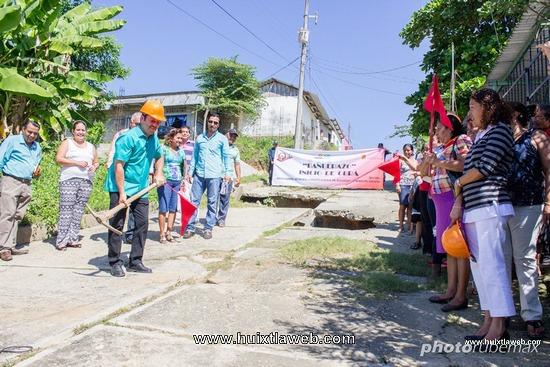 Con dos banderazos se inician obras en Tuzantán