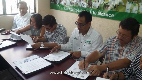 Firman Convenio de Colaboración ICATECH y Ayuntamiento de Huehuetán y Tuzantán.