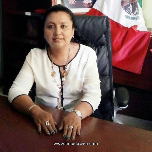 Alcaldesa llama a valorar derecho de la mujer