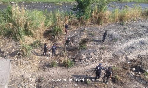 Localizan osamenta humana bajo el puente material del río Huixtla