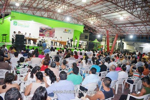Presentan Marimba Orquesta Municipal de Villa Comaltitlán