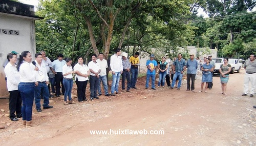 Inauguran Red de Drenaje Sanitario en la 4 de Octubre de Villa Comaltitlán