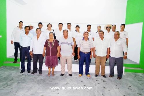 Habitantes de Lázaro Cárdenas agradecen a Alcaldesa por su Casa Ejidal