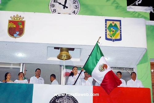 En Villa Comaltitlán: Civismo y Fervor Patrio en la noche del Grito y desfile de Independencia