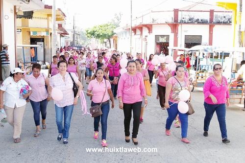 Conmemoran día internacional de la Mujer en Villa Comaltitlán