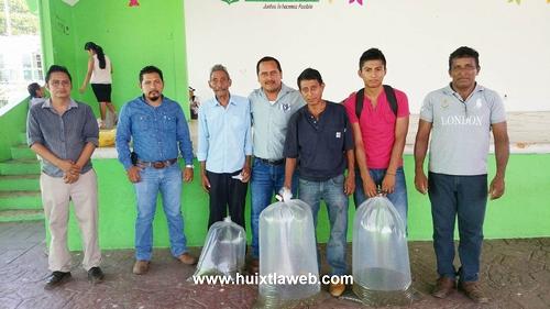 Entrega Más de 6 mil alevines en Comaltitlán