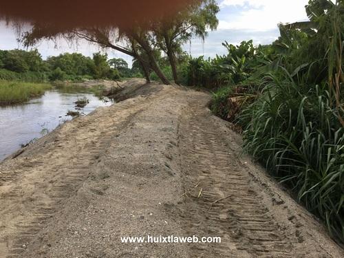 Realizan desazolve de ríos en Comaltitlán