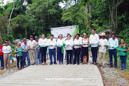 Inaugura Ayuntamiento de Comaltitlán pavimentación de camino en ejido Unión Costa Rica