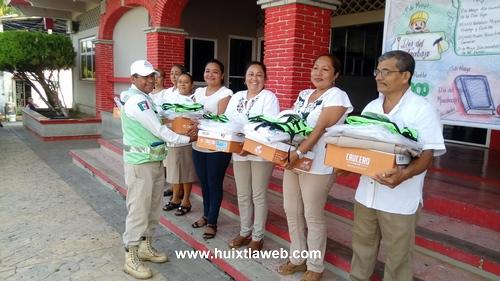 Elementos de protección civil reciben uniformes en Tuzantán