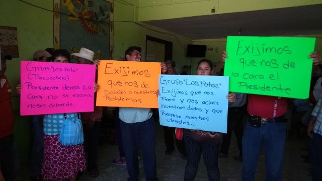 Campesinos toman la presidencia de Acapetahua