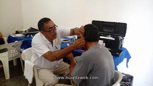 Campaña de salud auditiva en Huixtla