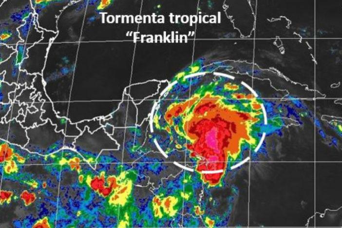 Alerta Verde por la presencia de Franklin en la Costa