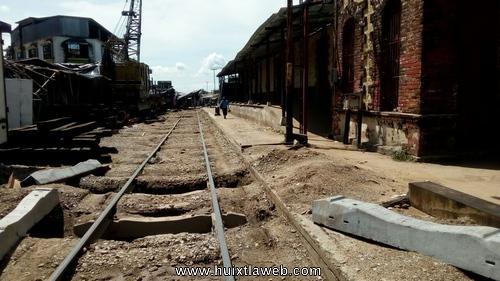 Intransitable el paso de la vía del ferrocarril frente a la estación