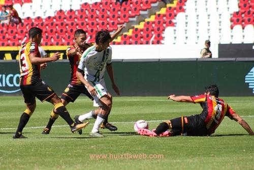 Importante victoria de Cafetaleros; vence 2-1 a Leones Negros