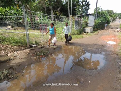 Contaminación provoca planta de aguas negras abandonada