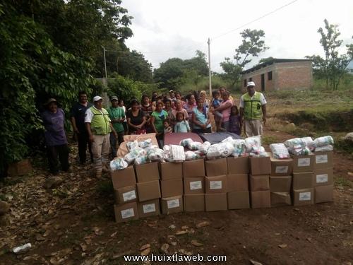 Continua la entrega de ayuda humanitaria a familias afectadas por el sismo en Tuzantán