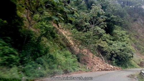 Se sigue derrumbando la carretera Huixtla a Motozintla