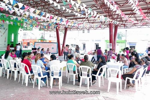 Celebran el Día Mundial de la Alimentación en Comaltitlán
