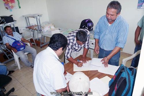 Entregan plantas de café del programa de apoyo a pequeños productores en Comaltitlán