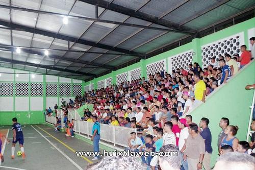 Realiza ayuntamiento de Comaltitlán premiación de las finales del torneo clausura 2017