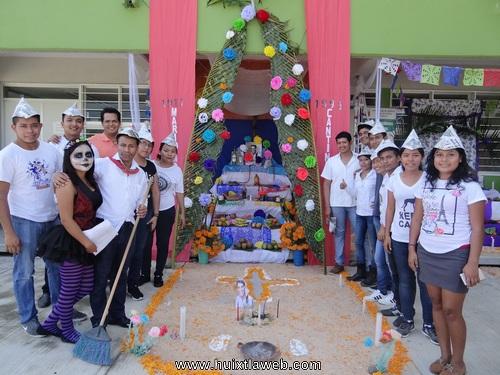 Concurso de Altares en la Unicach Huixtla