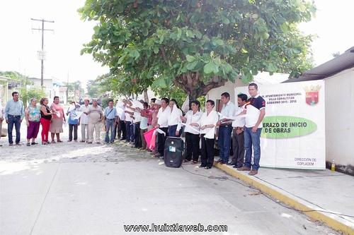 inician pavimentación de calles segunda etapa en colonia Lázaro Cárdenas de Comaltitlán