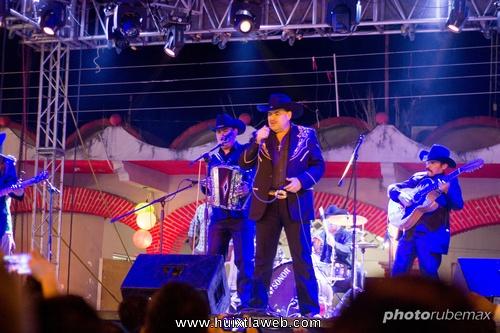 Todo un éxito la presentación de Los Cadetes de Linares en la Feria comercial de Tuzantán