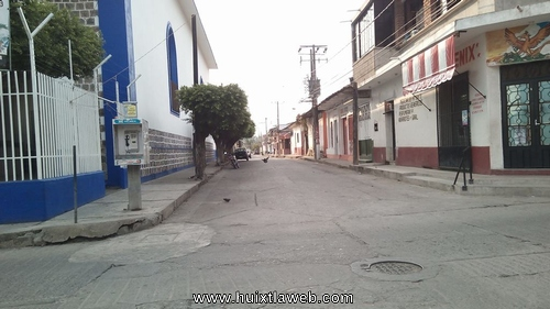 Sujetos armados asaltan en Huixtla