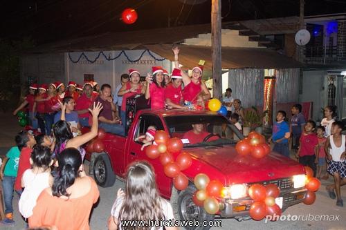 Realiza ayuntamiento de Tuzantán recorrido navideño