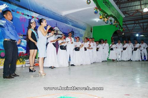 Presente talleres de danza del COBACH y CECyT en la feria patronal de Villa Comaltitlán