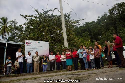 Inaugura ayuntamiento de Tuzantán ampliación de red de energía eléctrica en Las Rosas