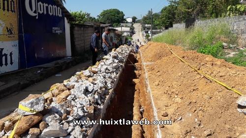 Ayuntamiento de Tuzantán rehabilita drenajes en la cabecera municipal